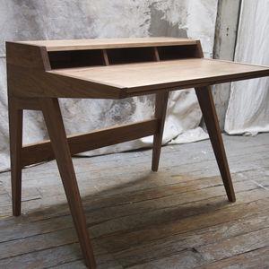 Laura Desk