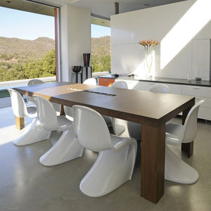 viesso plyned dining room table interior