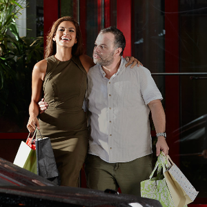 Eva Mendes shopping Beverly Hills Rodeo Drive
