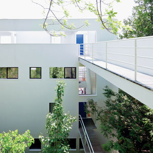 modern footbridge in the richard meier designed douglas house