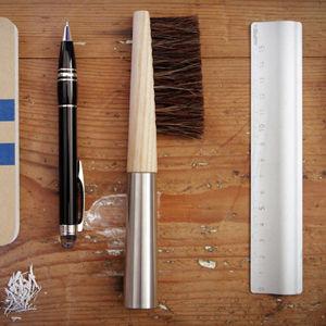 desk brush