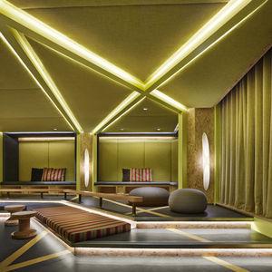 Generator London bright lounge square