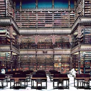 Candida Hofer; Images of Architecture