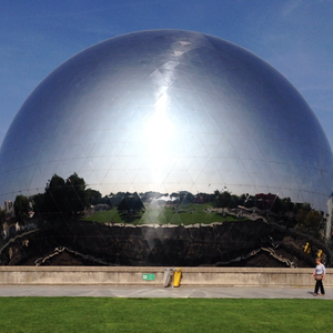 La Geode reflective dome in Paris