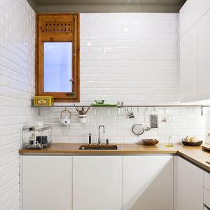 barcelona flat kitchen 0