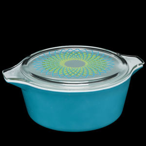 pyrex casserole dish graphic 1960s