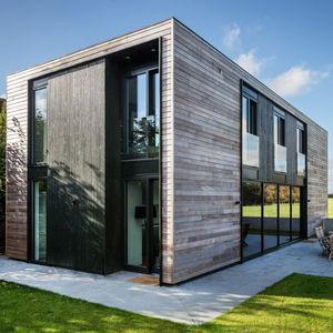 oxford house exterior facade
