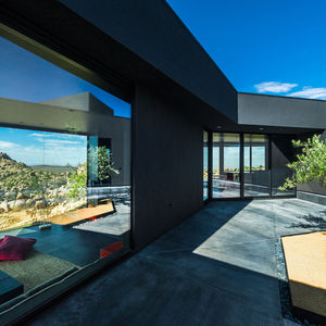 yucca valley house central courtyard