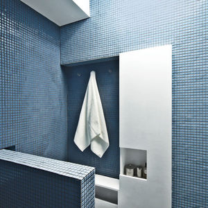 crown heights apartment bathroom